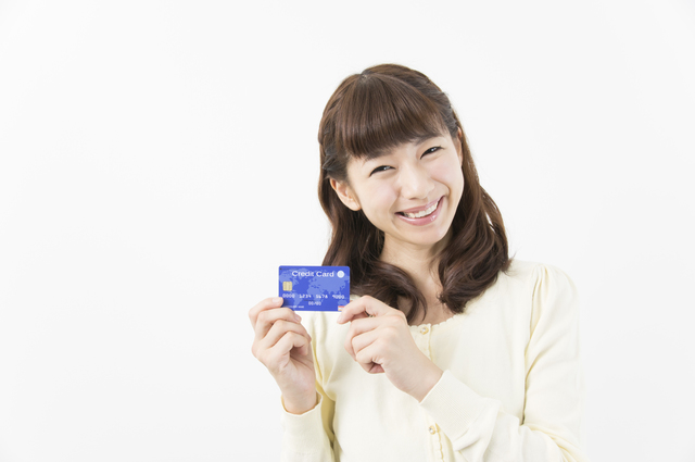 クレジットカードのショッピング枠の利用限度額を増やすには?