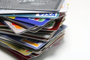 保有しているクレジットカードの枚数が多い場合